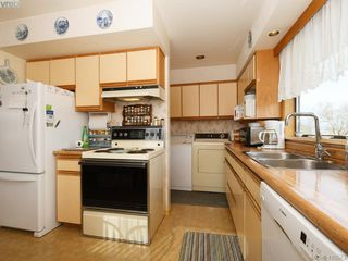 Photo 12: 2974 Irma Street in VICTORIA: Vi Burnside Single Family Detached for sale (Victoria)  : MLS®# 410573