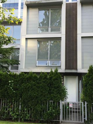 Photo 4: 107 4798 HAZEL Street in Burnaby: Forest Glen BS Townhouse for sale (Burnaby South)  : MLS®# R2374424