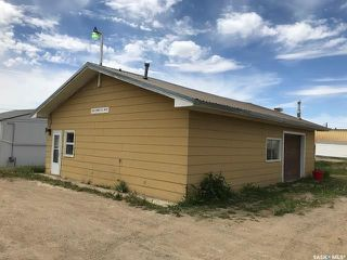 Photo 1: 1440 Sidney Street West in Swift Current: North West Commercial for sale : MLS®# SK776600