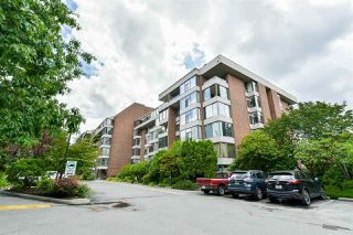 "Photo 1: 202 4101 YEW Street in Vancouver: Quilchena Condo for sale in ""Arbutus Village"" (Vancouver West)  : MLS®# R2383784"