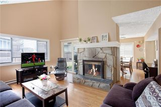 Photo 1: A 2974 Pickford Rd in VICTORIA: Co Hatley Park Half Duplex for sale (Colwood)  : MLS®# 819516