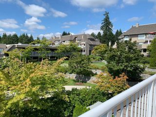 "Photo 17: 401 1050 BOWRON Court in North Vancouver: Roche Point Condo for sale in ""Parkway Terrace"" : MLS®# R2415471"