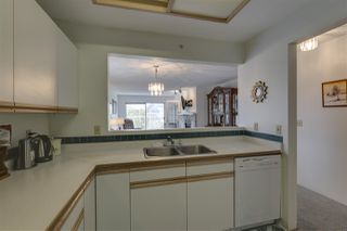"Photo 5: 401 1050 BOWRON Court in North Vancouver: Roche Point Condo for sale in ""Parkway Terrace"" : MLS®# R2415471"
