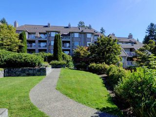 "Photo 18: 401 1050 BOWRON Court in North Vancouver: Roche Point Condo for sale in ""Parkway Terrace"" : MLS®# R2415471"