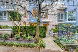Photo 1: 186 CHESTERFIELD AVENUE in North Vancouver: Lower Lonsdale Townhouse for sale : MLS®# R2423323