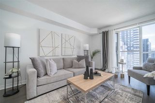 Photo 3: 1533 250 W Wellington Street in Toronto: Waterfront Communities C1 Condo for sale (Toronto C01)  : MLS®# C4788136