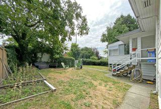 Photo 2: 7650 GRANVILLE Street in Vancouver: Marpole House for sale (Vancouver West)  : MLS®# R2484470