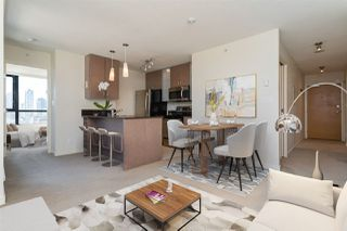 """Main Photo: 1307 977 MAINLAND Street in Vancouver: Yaletown Condo for sale in """"Yaletown Park 3"""" (Vancouver West)  : MLS®# R2485255"""