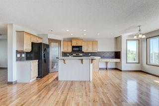 Photo 11: 324 EVERBROOK Way SW in Calgary: Evergreen Detached for sale : MLS®# A1032313