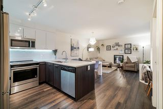 "Photo 7: 503 2525 CLARKE Street in Port Moody: Port Moody Centre Condo for sale in ""The Strand"" : MLS®# R2524901"