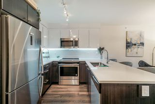 """Photo 5: 503 2525 CLARKE Street in Port Moody: Port Moody Centre Condo for sale in """"The Strand"""" : MLS®# R2524901"""