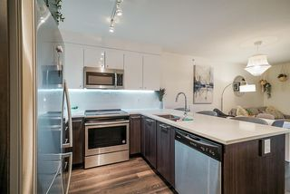 "Photo 6: 503 2525 CLARKE Street in Port Moody: Port Moody Centre Condo for sale in ""The Strand"" : MLS®# R2524901"