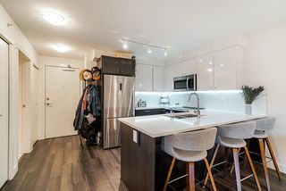 """Photo 4: 503 2525 CLARKE Street in Port Moody: Port Moody Centre Condo for sale in """"The Strand"""" : MLS®# R2524901"""