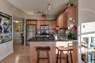 Photo 5: 702 10319 111 Street in Edmonton: Zone 12 Condo for sale : MLS®# E4223695
