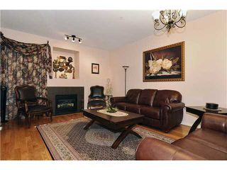 Photo 2: 3142 FROMME Road in North Vancouver: Lynn Valley Condo for sale : MLS®# V870906