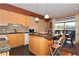 Photo 3: 3142 FROMME Road in North Vancouver: Lynn Valley Condo for sale : MLS®# V870906
