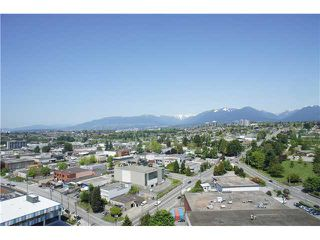 "Photo 8: 2202 4132 HALIFAX Street in Burnaby: Brentwood Park Condo for sale in ""MARQUIS GRANDE"" (Burnaby North)  : MLS®# V892780"