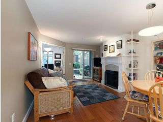 Photo 2: 4 3036 W 4TH Avenue in Vancouver: Kitsilano Condo for sale (Vancouver West)  : MLS®# V999898