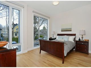 """Photo 12: 2048 WHYTE Avenue in Vancouver: Kitsilano House 1/2 Duplex for sale in """"Kits Point"""" (Vancouver West)  : MLS®# V1055098"""