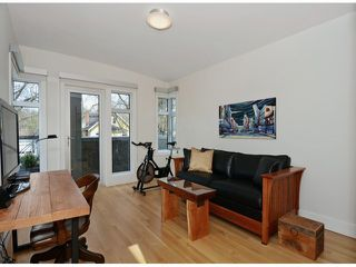 """Photo 16: 2048 WHYTE Avenue in Vancouver: Kitsilano House 1/2 Duplex for sale in """"Kits Point"""" (Vancouver West)  : MLS®# V1055098"""