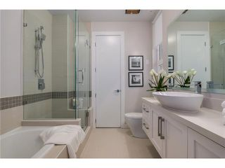 "Photo 8: 102 2028 YORK Avenue in Vancouver: Kitsilano Townhouse for sale in ""YORK"" (Vancouver West)  : MLS®# V1071124"