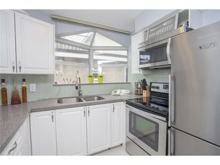 "Photo 3: 301 1126 W 11TH Avenue in Vancouver: Fairview VW Condo for sale in ""FAIRVIEW"" (Vancouver West)  : MLS®# V1110622"
