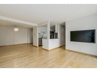 """Photo 8: 410 1500 PENDRELL Street in Vancouver: West End VW Condo for sale in """"PENDRELL MEWS"""" (Vancouver West)  : MLS®# V1134010"""