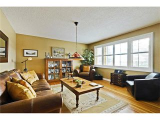 Photo 9: 5924 LEWIS Drive SW in Calgary: Lakeview House for sale : MLS®# C4040273