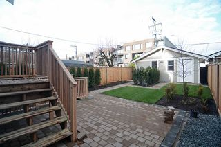 Photo 16: 2189 E PENDER Street in Vancouver: Hastings House for sale (Vancouver East)  : MLS®# R2022865