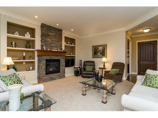 Photo 3: 21082 83B Avenue in Langley: Willoughby Heights House for sale : MLS®# R2038203