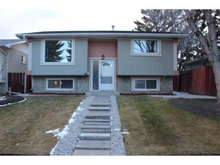 Photo 1: 175 MARLYN Place NE in Calgary: Marlborough House for sale : MLS®# C4052999