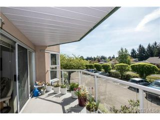 Photo 10: 201 3009 Brittany Dr in VICTORIA: La Jacklin Condo for sale (Langford)  : MLS®# 728405