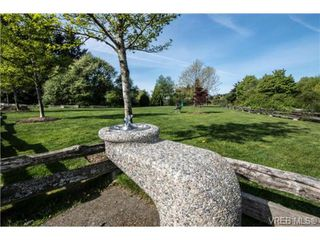 Photo 18: 201 3009 Brittany Dr in VICTORIA: La Jacklin Condo for sale (Langford)  : MLS®# 728405