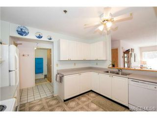 Photo 5: 201 3009 Brittany Dr in VICTORIA: La Jacklin Condo for sale (Langford)  : MLS®# 728405