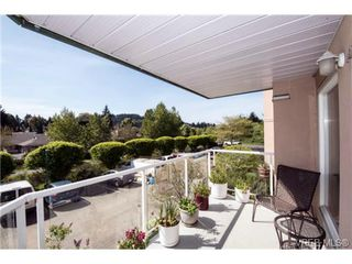 Photo 1: 201 3009 Brittany Dr in VICTORIA: La Jacklin Condo for sale (Langford)  : MLS®# 728405
