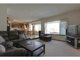 Photo 12: 20 EDGEBROOK Circle NW in Calgary: 2 Storey for sale : MLS®# C3569549