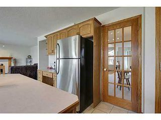Photo 10: 20 EDGEBROOK Circle NW in Calgary: 2 Storey for sale : MLS®# C3569549