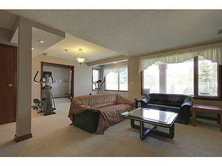 Photo 16: 20 EDGEBROOK Circle NW in Calgary: 2 Storey for sale : MLS®# C3569549