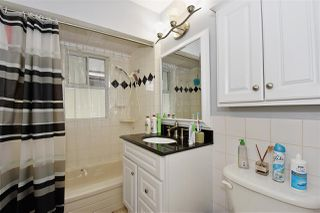 Photo 12: 3323 NAPIER Street in Vancouver: Renfrew VE House for sale (Vancouver East)  : MLS®# R2109951