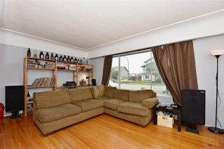 Photo 3: 3323 NAPIER Street in Vancouver: Renfrew VE House for sale (Vancouver East)  : MLS®# R2109951