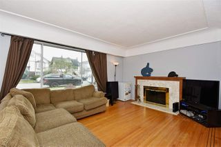 Photo 2: 3323 NAPIER Street in Vancouver: Renfrew VE House for sale (Vancouver East)  : MLS®# R2109951