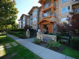 "Photo 2: 418 3110 DAYANEE SPRINGS BL in Coquitlam: Westwood Plateau Condo for sale in ""LEDGEVIEW"" : MLS®# R2118967"