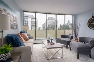 """Photo 3: 902 4300 MAYBERRY Street in Burnaby: Metrotown Condo for sale in """"TIME SQUARES"""" (Burnaby South)  : MLS®# R2151858"""