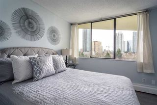 """Photo 7: 902 4300 MAYBERRY Street in Burnaby: Metrotown Condo for sale in """"TIME SQUARES"""" (Burnaby South)  : MLS®# R2151858"""