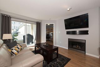 "Photo 7: 211 108 W ESPLANADE Avenue in North Vancouver: Lower Lonsdale Condo for sale in ""TRADEWINDS"" : MLS®# R2158923"