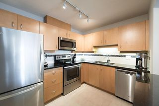 "Photo 4: 211 108 W ESPLANADE Avenue in North Vancouver: Lower Lonsdale Condo for sale in ""TRADEWINDS"" : MLS®# R2158923"