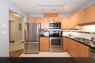 "Photo 5: 211 108 W ESPLANADE Avenue in North Vancouver: Lower Lonsdale Condo for sale in ""TRADEWINDS"" : MLS®# R2158923"
