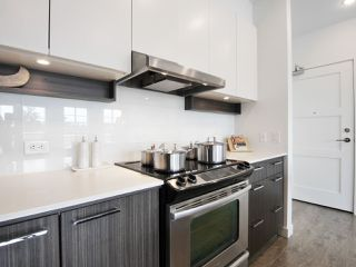 """Photo 11: 401 555 FOSTER Avenue in Coquitlam: Coquitlam West Condo for sale in """"The FOSTER by Mosaic"""" : MLS®# R2179948"""