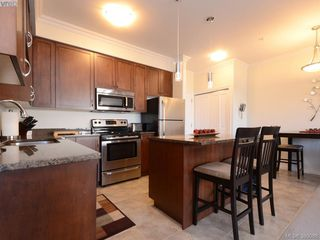 Photo 2: 205 9751 Fourth St in SIDNEY: Si Sidney South-East Condo Apartment for sale (Sidney)  : MLS®# 763525