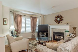 "Photo 2: 13 16888 80 Avenue in Surrey: Fleetwood Tynehead Townhouse for sale in ""Stonecroft"" : MLS®# R2208468"
